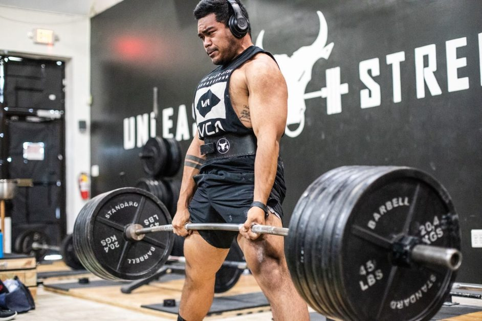 Unleash'd Strength Gym Member Deadlifiting 585 pounds